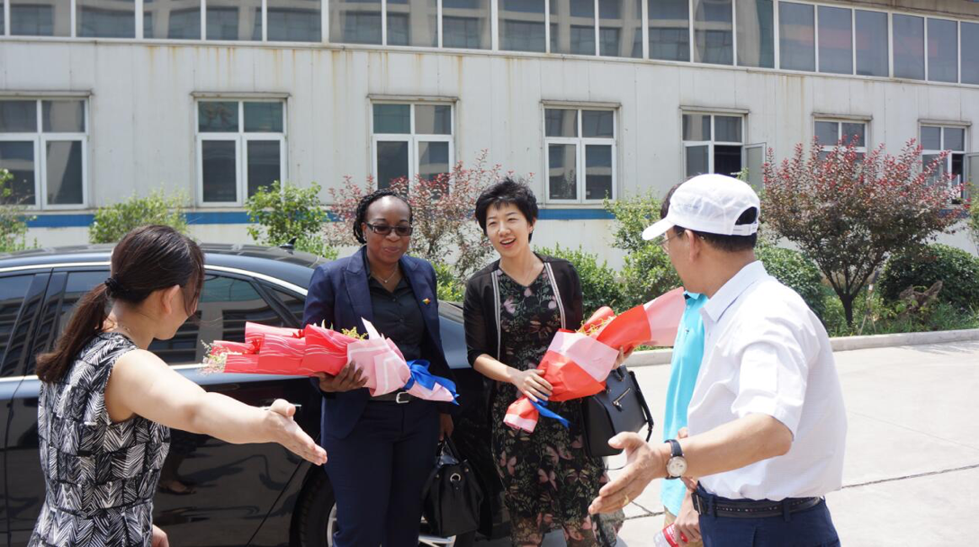 Commercial Counselor of Benin and Abu Banzuo and Overseas Cooperation Committee Leaders Visit Yushen Group